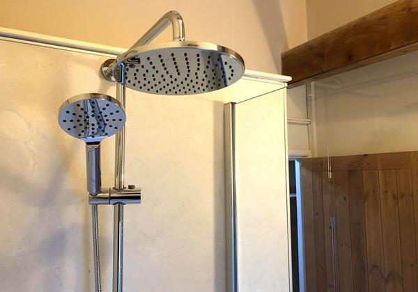 Cranberry Bathroom 2