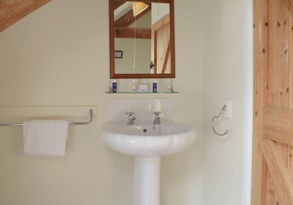 Atratos Bathroom
